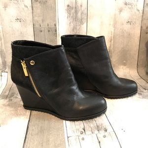 Super comfy Kenneth Cole bootie
